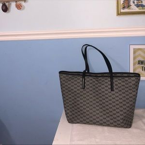 Michael Kors Top Zip Shopper's Tote